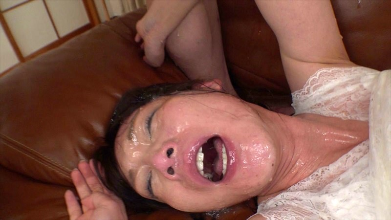 喉マ●コ中出し 喉姫開発イラマチオ 土屋かなで 4