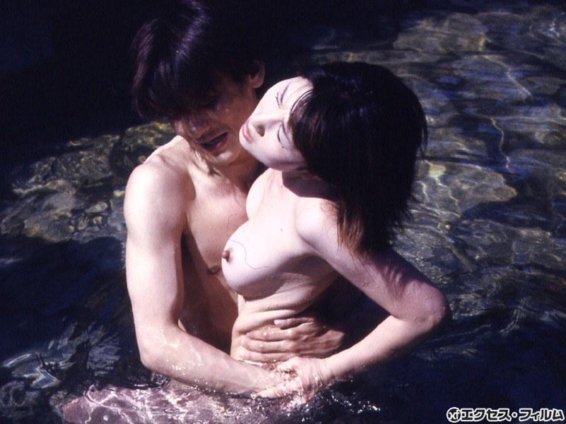 襦袢コンパニオン 密着露天風呂