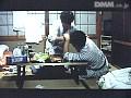 淫乱民宿 おかみさんがイクsample23