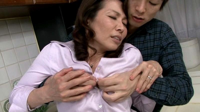 近親相姦 五十路のお母さんに膣中出し 松下美香52歳サンプルF5