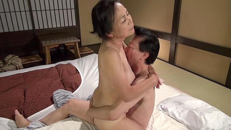 熟年フルムーン 高齢夫婦駒寄の旅 坪井冨美|無料エロ画像20