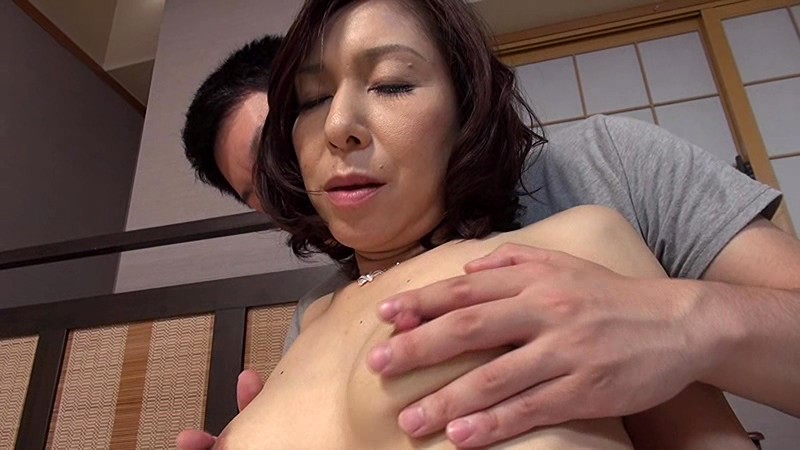 人妻AVデビュー 抱いたら折れそうな華奢なカラダにぷっくら乳首がイイねぇ〜 香田美子 画像2