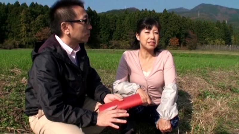 農道ナンパ 肥料香るあぜ道で見つけた極上のエロ熟女 寂しい田舎のおばちゃんたちは若い男の誘いに弱いのです[17srd00015][SRD-015] 6