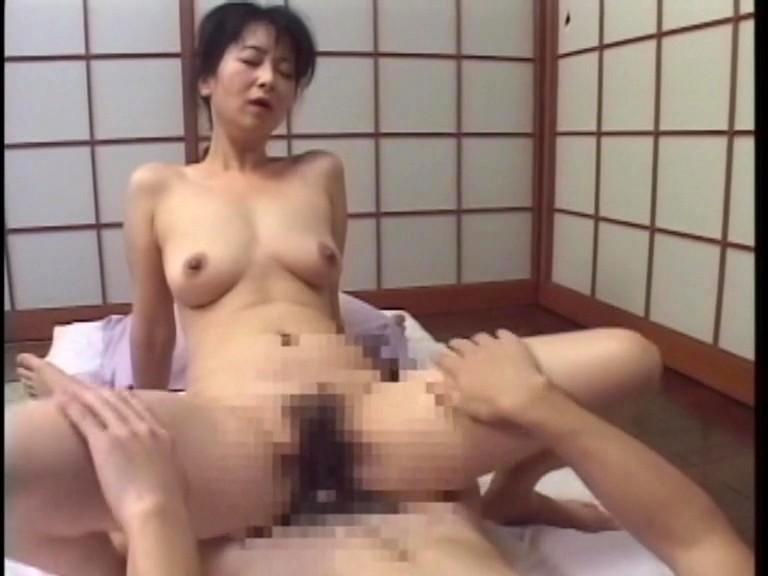 熟女家政婦 一人息子といけない関係 総集編