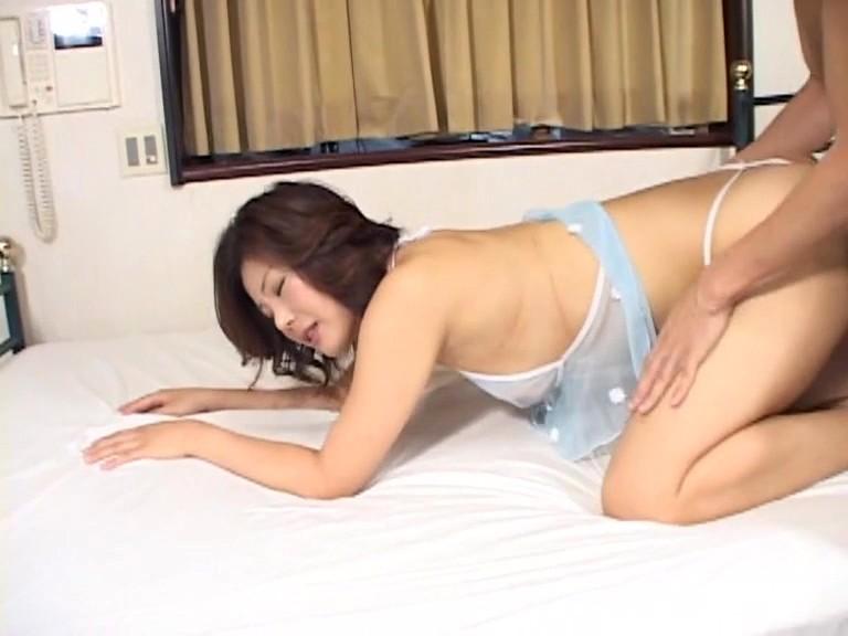 腰振りプリマダム 藤木未央・由美 画像1