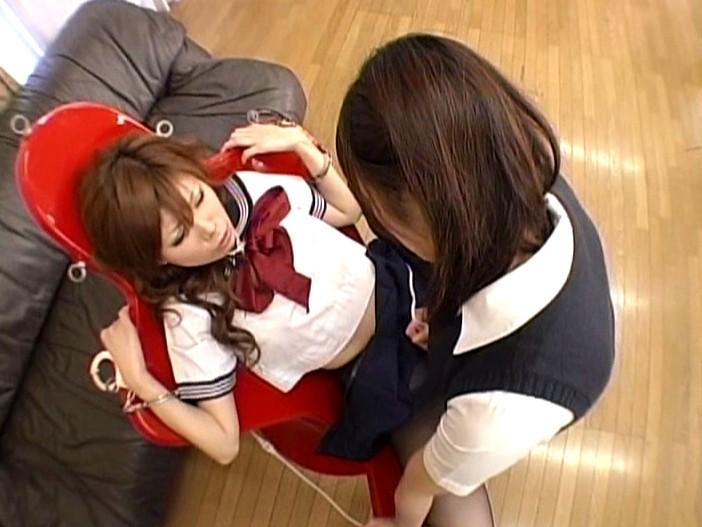 ムレムレ黒タイツでレズプレイするエロ脚デカ尻な女子校生 画像16