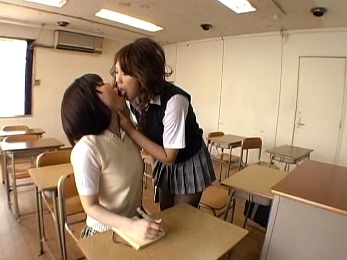 ムレムレ黒タイツでレズプレイするエロ脚デカ尻な女子校生 画像5