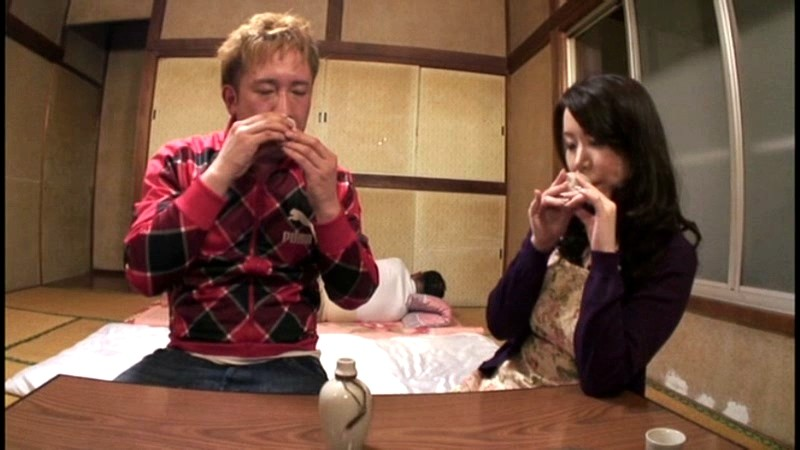 【#滝沢すみれ】露出狂の母 滝沢すみれ[18arwa00004][ARWA-004] 1