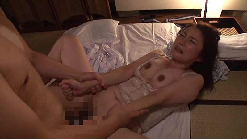 極上の寝取られ体験 このたびウチの妻が温泉地での出張マッサージでお客に完全に寝取られてしまいました 宮本沙央里 10枚目