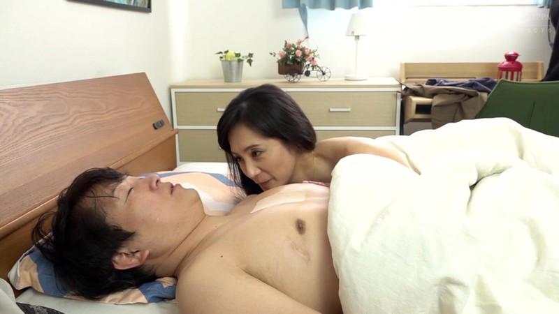 憧れの兄嫁と 平岡里枝子 10枚目