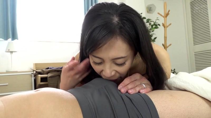 憧れの兄嫁と 平岡里枝子 11枚目