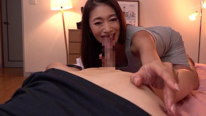 人妻の非日常生活 性的介護を要求してしまった夫人 小早川怜子 11枚目