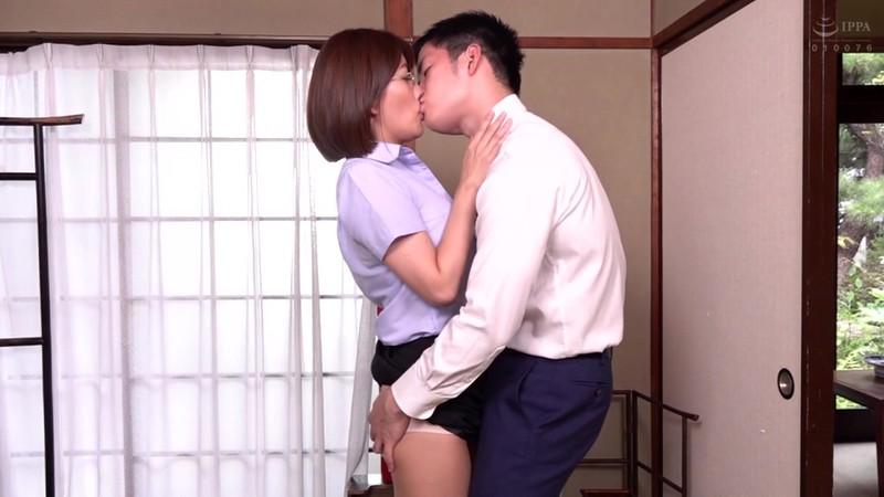 憧れの女上司と 池谷佳純 画像12