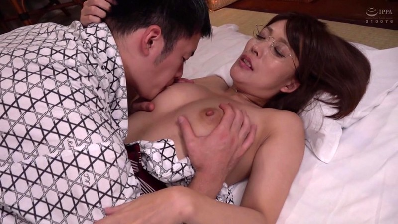 憧れの女上司と 池谷佳純 画像3