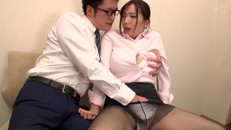 ネトラレーゼ 妻が会社の先輩に寝取られていた話し 鈴木真夕 3枚目