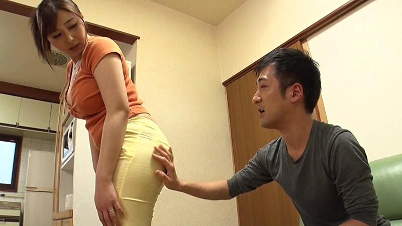 302号の桃尻奥さん 小川桃果 1枚目