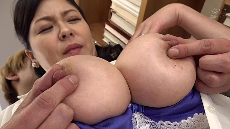 巨乳人妻図書館司書 八木あずさ キャプチャー画像 12枚目