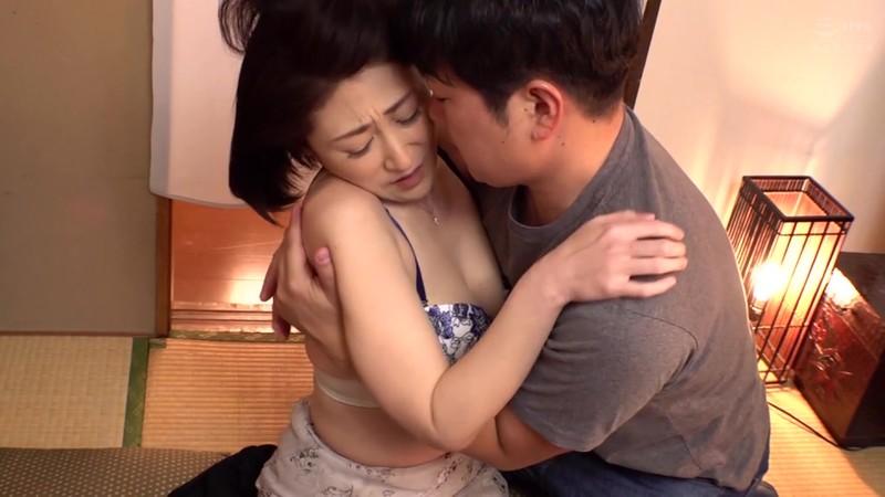 母姦中出し 息子に初めて中出しされた母 徳山翔子 画像10