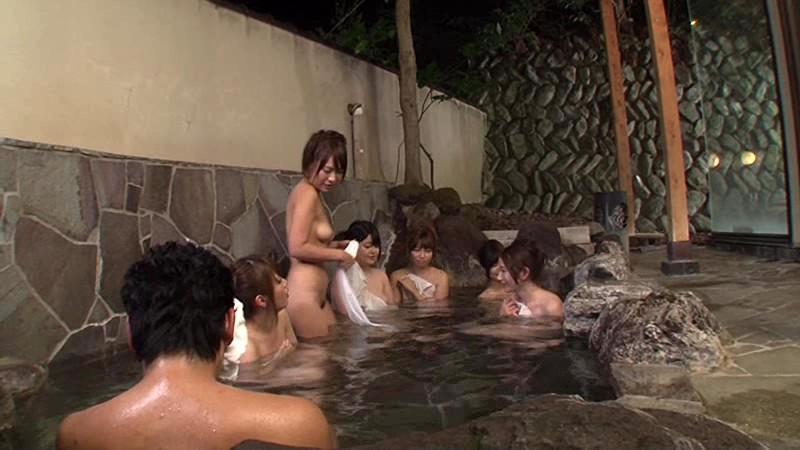 「混浴と勘違いしたフリして美淑女だらけの女湯に入り込んでヤられた」VOL.1|無料エロ画像2
