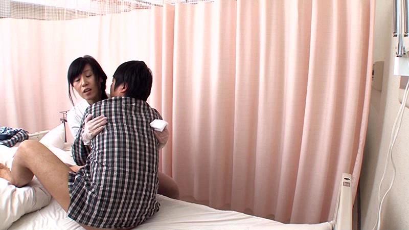 「『おばさんで本当にいいの?』若くて硬い勃起角度150度の少年チ○ポに抱きつかれた看護師はヤられても本当は嫌じゃない」VOL.3サンプルF15