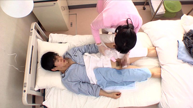 「『おばさんで本当にいいの?』若くて硬い勃起角度150度の少年チ○ポに抱きつかれた看護師はヤられても本当は嫌じゃない」VOL.3サンプルF6