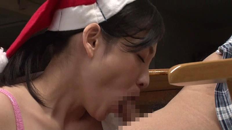 「『おばさんを興奮させてどうするの?』全員ヤりまくりSPECIAL 青年チ○ポを押しつけられたおばさん看護師は嫌がりながらも本当は同僚に自慢したい!!」VOL.1|無料エロ画像18