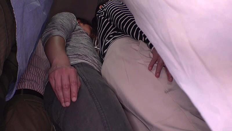 「『おばさんを痴●してどうする気?』男を忘れた美淑女は尻に押しつけられたチ○ポの感触が久しぶり過ぎてバック挿入も拒めない」 VOL.1 画像5
