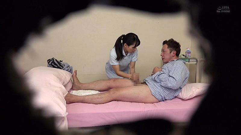 「街行くお昼休みの看護師に取材交渉!『男性患者にしている清拭を見せてもらえませんか?』お下品なAV撮影とは知らず…真面目に陰部洗浄を披露する白衣の天使たちはセックスまでしてしまうのか?」VOL.1 11枚目