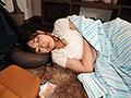 川の字で寝ていたホロ酔い巨乳女友達2人が布団の中に潜り込んできて僕のチ○ポで性欲を発散しまくるハーレム逆3P