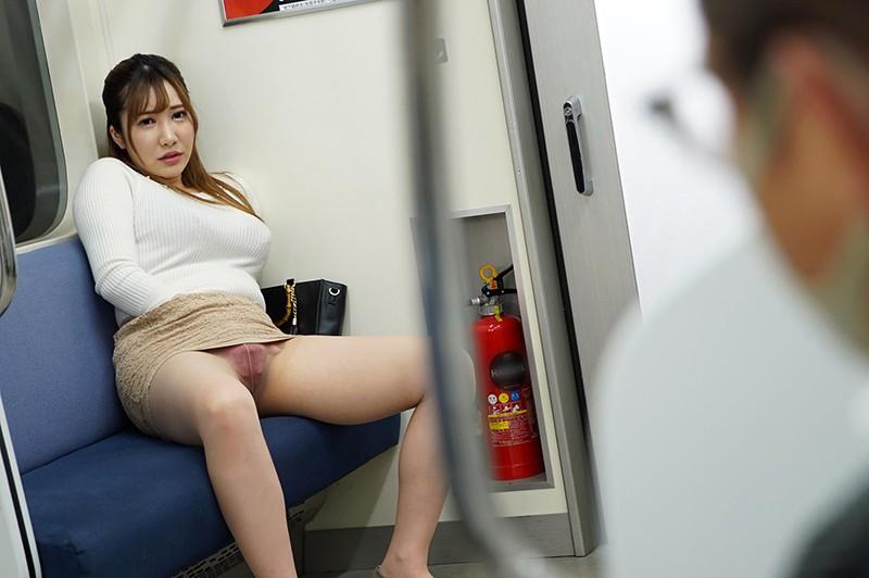 最終電車で痴女とまさかの2人きり!向かいの座席でパンチラしてくるホロ酔い美脚女の誘惑で勃起したらヤられたVOL.28