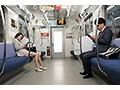 最終電車で痴女とまさかの2人きり!向かいの座席でパンチラし...sample12