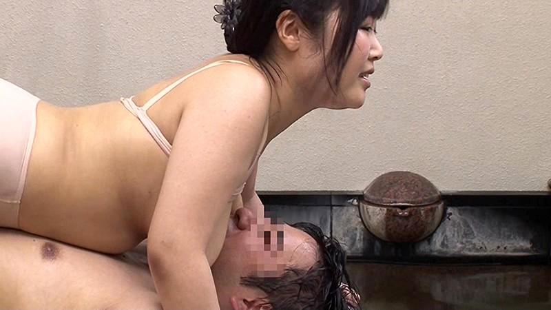 箱根に遊びに来ていた巨乳女子大生限定!男湯で初めての密着泡洗体してみませんか?見知らぬ男性客の身体をチ●ポの先までおっぱいで洗う過激洗体ミッションで火照りだすオマ●コ!性欲が恥ずかしさを上回り素人娘が妊娠をかえりみない生チ●ポ挿入!5人全員生中出し!!2 画像17