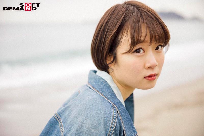 今話題の現役W大文学部在籍中のショートカット美人 渡辺まお(19) デビューDVD 2枚目