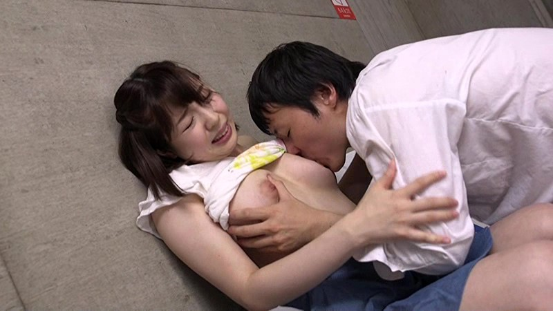 巨乳でノーブラの人妻の、レイプ寝取られ痴漢無料エロ動画。【人妻動画】