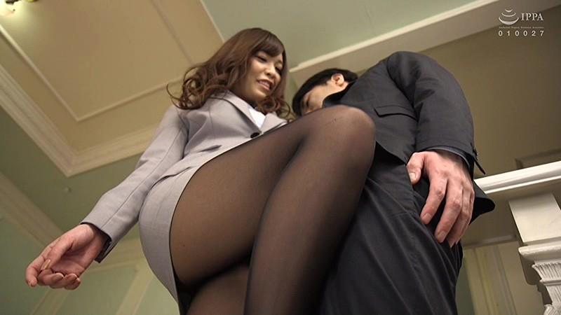 黒パンスト×太ももOL=誘惑神美脚 街で見かける勤務途中のアノ娘のシコりたくなる脚のサンプル画像