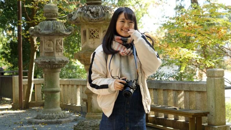 田舎育ちの純朴カメラ女子は精子好き 心音にこ 20歳 専門学生 1枚目