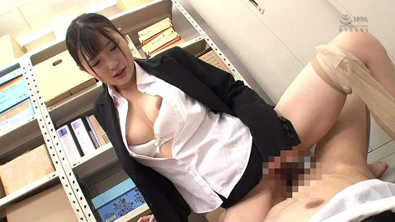 GS-244 Studio SOSORU X GARCON - My Bosses Are Captivated By A Job-Hunting College Girl Who Came To Take A Look At The Company! So I Decided To Teach The Girl A Lesson About The Real World And Sexually Harassed Her In A Private Place!... I Thought She Might Start Crying But She A big image 4