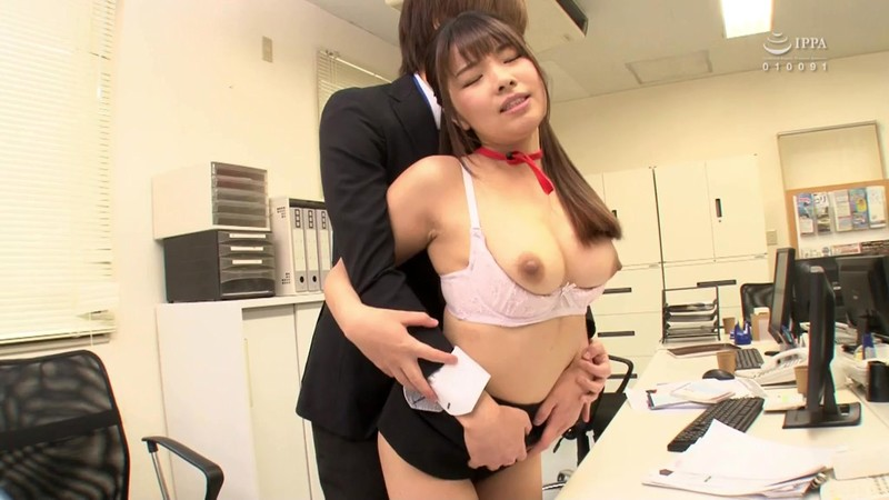 GS-295 Studio SOSORU X GARCON - This Fresh Face Female Staffer Loves To Play Pranks, So What Kind Of Excessively Pranks Will She Be Playing Now!? Even With The Other Employees Around, She Quietly Came Over To Tweak With My Cock!! I Tried To Resist Without Anyone Seeing Us, But O big image 6