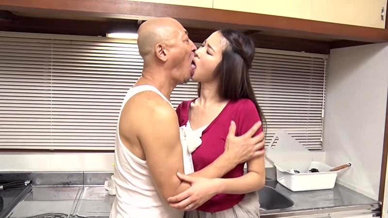 若妻接吻・近親相姦 夫には決して言えない…許されぬ背徳の肉体関係 新井梓 1枚目