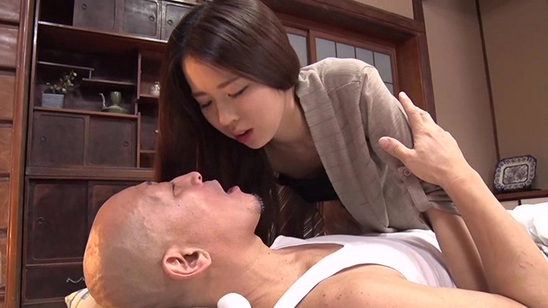 若妻接吻・近親相姦 夫には決して言えない…許されぬ背徳の肉体関係 新井梓 15枚目