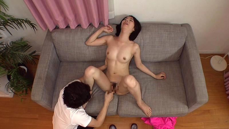 寝取らせ検証 『綺麗な裸を残しておきたい』メモリアルヌード撮影で共演した夫よりも若いモデルの他人棒を見て愛液を垂らした妻はその後、SEXしてしまうのか?