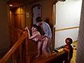 素人妻が大学生とワニ男が群がる変態温泉旅館に日帰り旅行 異常な雰囲気に流され秘めた変態が目覚めていく巨乳ドM妻かなこさん35歳