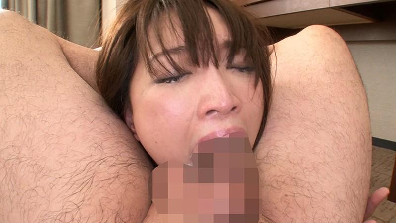 刺激を求める敏感素人妻に男にも女にもイカされる混合SEXのサンプル画像