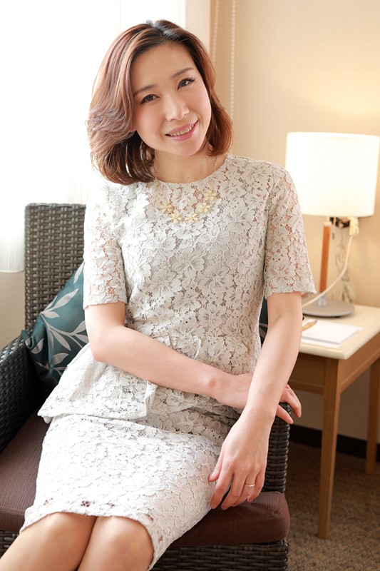 HAWA-174 Studio Cosmos Eizo - She's Secretly Having Sex With Someone Else The Truth Is, I've Never Swallowed My Husband's Cum She's Over 40 And Getting Her First Drink Of Cum Special Edition A Maso Chinese Married Woman Lin Lee 41 Years Old - big image 1