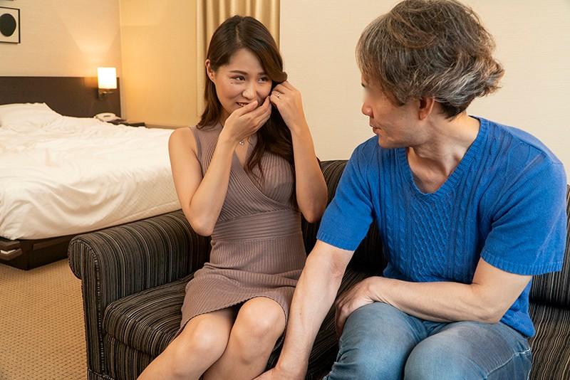 刺激を求める敏感素人妻に男にも女にもイカされる混合SEX HAWA-186 1枚目