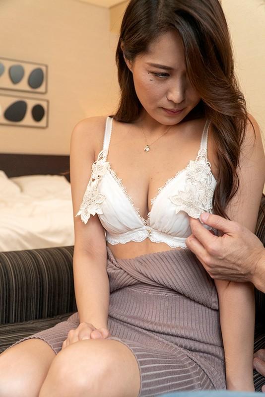 刺激を求める敏感素人妻に男にも女にもイカされる混合SEX HAWA-186 14枚目