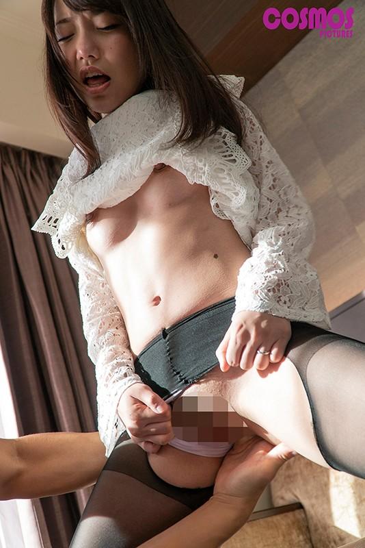 刺激を求める敏感素人妻に男にも女にもイカされる混合SEX HAWA-199 3枚目