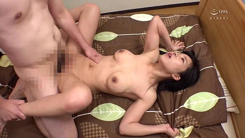 躰を差し出したシングルマザーの若い女 男の味を知り尽くしたテクニックで性奉仕、熟れた肉穴はヤリ心地が最高に良い キャプチャー画像 12枚目