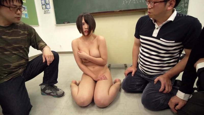 ぶっかけられた巨乳女教師 真田みづ稀 9枚目