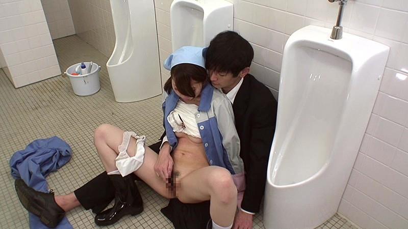 【トイレ】美人な痴女の、ぶっかけ放尿ごっくん無料エロ動画!【口内射精、飲尿、フェラ動画】
